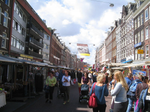 The thriving Albert Cuypmarkt